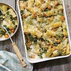 Ricardo's recipe: Squash and Leek Rigatoni au Gratin Leek Recipes, Yummy Pasta Recipes, Veggie Recipes, Vegetarian Recipes, Cooking Recipes, Healthy Recipes, Pizza Recipes, Confort Food, Kitchen