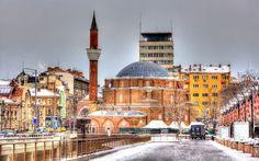 トルコ系民族に愛されるモスク 暖かみとソ連っぽさが同居する都、ブルガリア「ソフィア」で見るべき観光スポット10選
