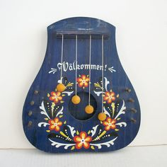 looooove this vintage swedish door harp!