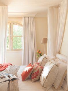 A magical moments 💫✨ Bedroom Inspirations, Suites, Bedroom Decor, Interior Design, Home Decor, Sleeping Room, Girls Room Decor, Room, Room Decor