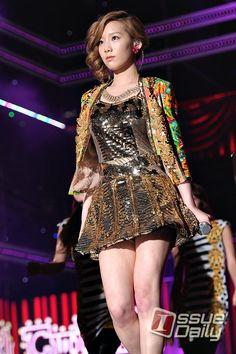 [이슈포토] 소녀시대 태연, 인형이 따로 없네! / 이슈데일리 / May 12, 2012 / #Taeyeon #TaeTiSeo #SNSD