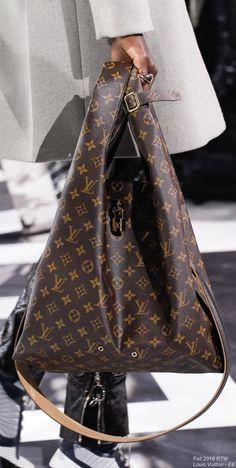 Fall 2016 Ready-to-Wear Louis Vuitton - EE