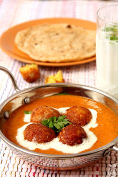 Malai Kofta Recipe Restaurant Style Malai Kofta Curry - Malai Kofta Is A Very Popular North Indian Dish Undoubtedly Tops The List Of Foods Ordered At Indian Restaurants Malai Stands For Cream And Kofta Is A Fried Dumpling Of Mashed Potatoes Paneer Paneer Recipes, Veg Recipes, Curry Recipes, Indian Food Recipes, Cooking Recipes, Indian Vegetarian Recipes, Barbecue Recipes, Vegetarian Food, Cooking Tips