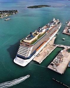 Celebrity Cruise Ships, Best Cruise Ships, Cruise Port, Cruise Travel, Island Cruises, Super Yachts, Beautiful Moon, Caribbean Cruise, Luxury Yachts