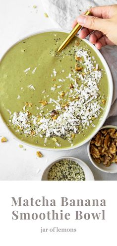This Matcha Banana Smoothie Bowl recipe is loaded with antioxidants, vitamins, calcium, protein, and potassium! It only takes about 5 minutes to make, and it tastes like ice cream for breakfast. There's no better way to start the day than with this healthy vegan and easy-to-make matcha smoothie bowl! Best Vegetarian Recipes, Gf Recipes, Lemon Recipes, Brunch Recipes, Gluten Free Recipes, Cooking Recipes, Healthy Recipes, Matcha Smoothie, Smoothie Bowl