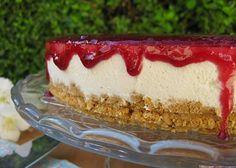 Cheesecake de Frutos Vermelhos - http://www.sobremesasdeportugal.pt/cheesecake-de-frutos-vermelhos/