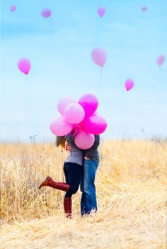 32 Trendy Baby Reveal Ideas For Family Gender Announcements Pictures Baby Announcement Pictures, Gender Announcements, It's A Boy Announcement, Gender Reveal Balloons, Baby Gender Reveal Party, Sibling Gender Reveal, Gender Reveal Pictures, Gender Reveal Photography, Pregnancy Photos