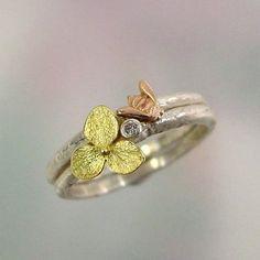 Bee Bee Bague en or rose anneau d'empilage miel par PatrickIrlaJewelry
