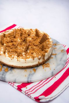 Rich and full of caramel flavour, this cheesecake is perfect for the Biscoff lover in your life Biscoff Cheesecake, Best Cheesecake, Chocolate Cheesecake Recipes, Baked Cheesecake Recipe, Biscoff Recipes, Cheese Recipes, Baking Recipes, No Bake Cake, Sweet Recipes