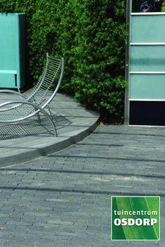 Excluton Abbeystones met een afmeting van 5x20x7cm zijn veruit de populairste trommelstenen van dit moment. Zo kunnen Abbeystones gebruikt worden voor het maken van een looppad, oprit of voor het aanleggen van een volledig terras. Excluton Abbeystones hebben doordat ze getrommeld zijn een robuuste en authentieke uitstraling. Outdoor Chairs, Outdoor Furniture, Outdoor Decor, Hammock, Garden Chairs, Hammocks, Hammock Bed, Backyard Furniture, Lawn Furniture