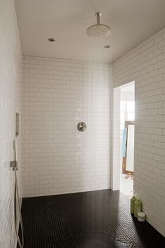 Showers So Large They'll Haunt Your Dreams   Apartment Therapy