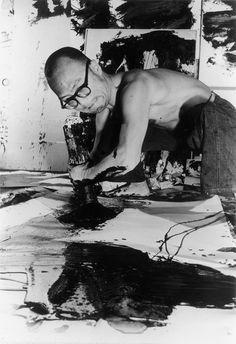 gallowhill: Inoue Yûichiat his studio in 1955. (Photo:Asahi Shinbun)