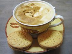 Und noch ein Kaffeebild, diesmal von beetroot: http://beetrootmassacre.wordpress.com/2012/09/12/vegan-wednesday-iii/