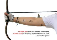 신부님이 스님되는 법  복사 http://buddha-on.net/220264005043   염주..만자..탑..십자가... 바라는 것이 많을수록 팔만 아프다.