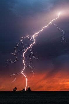 Lightning ∞∞∞∞∞∞∞∞∞∞∞∞∞∞∞∞∞∞∞∞∞∞∞∞∞∞∞∞ Weather ∞∞∞∞∞∞∞∞∞∞∞∞∞∞∞∞∞∞∞∞∞∞∞∞∞∞∞∞ Clouds ∞∞∞∞∞∞∞∞∞∞∞∞∞∞∞∞∞∞∞∞∞∞∞∞∞∞∞∞ Color ∞∞∞∞∞∞∞∞∞∞∞∞∞∞∞∞∞∞∞∞∞∞∞∞∞∞∞∞ Swirl ∞∞∞∞∞∞∞∞∞∞∞∞∞∞∞∞∞∞∞∞∞∞∞∞∞∞∞∞ Lightstorm by: Mike Olbinski Lightning Images, Ride The Lightning, Thunder And Lightning, Lightning Strikes, Lightning Mcqueen, Lightning Storms, Lightning Photography, Nature Photography, Photography Tips