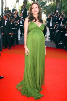 Rosie Huntington-Whiteley In Gucci At The Cannes Film Festival 2014 - Cannes Film Festival: The Best Dresses Angelina Jolie Pregnant, Cannes Film Festival 2014, Star Wars, Nice Dresses, Formal Dresses, Red Carpet Fashion, Poses, Pregnancy Photos, Fashion Advice