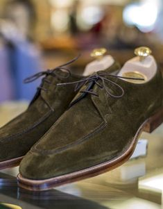 edward green – ecton in loden suede Leather Dress Shoes, Suede Shoes, Leather Heels, Shoe Boots, Leather Art, Suede Loafers, Cow Leather, Oxfords, Loafer Shoes
