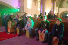 https://flic.kr/s/aHskrKB79S | Musikgottesdienst 2015 | Die Konfis machen Kirche und ihre Musik dazu.