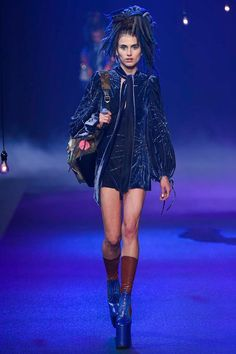 Marc Jacobs Spring 2017 Ready-to-Wear Fashion Show - Langley Fox  Embellished velvet