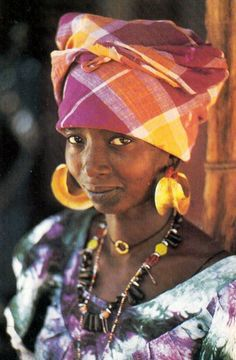 Africa | Woman in Georgetown, Gambia || Postcard; publisher Renaudeau / HOA //