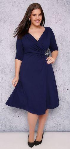 27 plus size wedding guest dresses {with sleeves. as i'm sure you well know by now, i need sleeves to be happy if you're like me, you're always looking out for cocktail dresses with sleeves bec. Casual Cocktail Dress, Cocktail Dresses With Sleeves, Plus Size Cocktail Dresses, Curvy Outfits, Plus Size Outfits, Plus Size Wedding Guest Dresses, Wedding Dresses, Robes D'occasion, Vestidos Plus Size