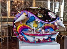 The much anticipated exhibition of Takashi Murakami opens its doors at the famous Chateau de Versailles outside of Paris on September Versailles, Superflat, Japanese Art Modern, Japanese Artists, Takashi Murakami Art, Murakami Flower, Internet Art, Unusual Art, Cool Writing