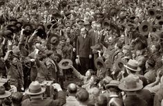 Hats Off for Cal: 1926 - President Calvin Coolidge and Boy Scouts on the South Lawn of the White House American Presidents, Us Presidents, Vintage Photographs, Vintage Photos, Calvin Coolidge, Us History, High Resolution Photos, Photo Archive, Boy Scouts