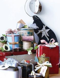 Holiday Wrapping Solution: Use old tins!