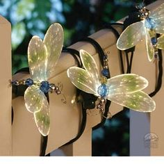I really want these... Id like to put some in a huge flower vase... or in a huge bouquet =)
