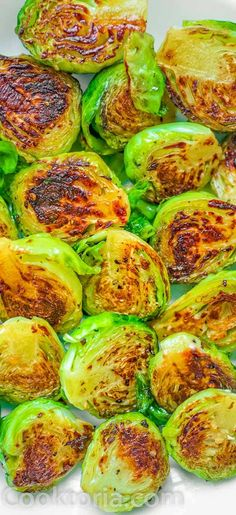 Fork-tender Pan Fried Brussels Sprouts ready in 15 minutes. It makes a perfect side dish for any occasion. Cooktoria for more deliciousness! Healthy Side Dishes, Vegetable Side Dishes, Side Dish Recipes, Pan Fried Brussel Sprouts, Brussels Sprouts, Healthy Vegetable Recipes, Sprout Recipes, Dried Beans, Avocado Recipes