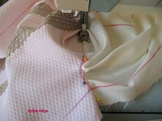 Entre Hilos: Tutorial: como forrar un vestido Sewing Lessons, Sewing For Kids, Baby Dress, Sewing Projects, Scrappy Quilts, Tela, Sew Dress, Dresses For Girls, Clothes For Girls