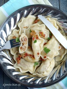 Pierogi Lviv uses hot milk and melted butter in the dough Polish Recipes, Polish Food, Christmas Dishes, Appetisers, Melted Butter, Soul Food, Appetizer Recipes, Food And Drink, Cooking Recipes