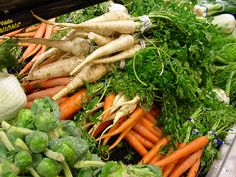 Your Guide to Root Vegetables – Health Benefits, Recipes, and Roasted Root Vegetables, Eating Vegetables, Veggies, Sugar Detox Diet, Vegetable Benefits, Food Club, Eating Organic, Food Allergies, Organic Recipes