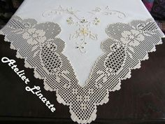 Filet Crochet, Gourds, Diy And Crafts, Knitting Patterns, Projects To Try, Linen Tablecloth, Crochet Lace Edging, Crochet Doilies, Needlepoint