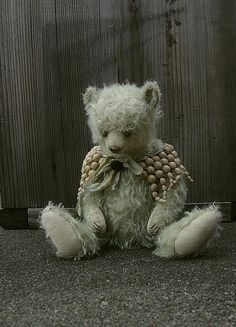 Philippa, Shabby Mohair Girl Artist Bear from Aerlinn Bears.