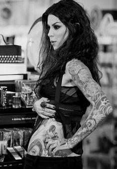 Kat Von D. Love her ink!!