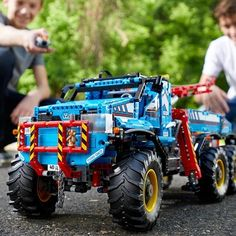 Lego Technic 6 x 6 All Terrain Tow Truck (42070) Homemade Anniversary Gifts, Anniversary Gifts For Couples, Anniversary Ideas, Wedding Anniversary, Lego Technic Truck, Homemade Wedding Gifts, Bull Bar, Birthday Gifts For Sister, Tow Truck