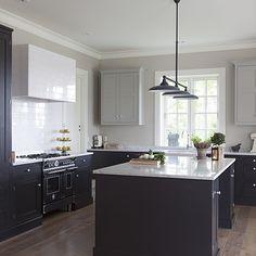 Enda et bilde av dette kjøkkenet, syns det er så fint! Syns dere? Dalby sotgrå/røkgrå