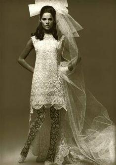 Ali MacGraw, as bride. Vintage Glam, Vintage Bridal, Vintage Style, Bridal Wedding Dresses, Wedding Attire, 1960s Wedding Dresses, 1970s Wedding, 1960s Dresses, Mod Wedding