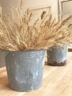 "Little Farmstead"" Farmhouse Decorating for Early Fall {Wheat and Galvanized Buckets}"