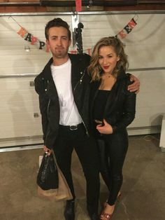 Danny and Sandy from Greece for Halloween. T Birds DIY costume Danny and Sandy from Greece for Halloween. T Birds DIY costume Source by bysophialee Halloween Kostüm, Couple Halloween Costumes, Diy Halloween Costumes, Greaser Halloween Costume, Couple Costume Ideas, Halloween Customs, 90s Costume, Wolf Costume, Zombie Costumes