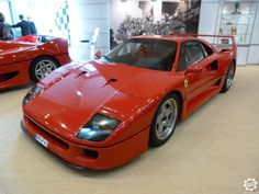 #Ferrari #F40 vue au salon Techno Classica de Essen. Photo issue de l'article : Techno Classica Essen 2015 par News d'Anciennes visible ici : http://newsdanciennes.com/2015/04/20/grand-format-news-danciennes-au-techno-classica-essen/ #Classiccar #Oldtimer #TechnoClassica