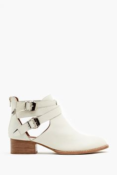 Everly Cutout Boot in Ivory