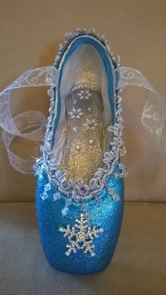 Overall performance choose and interact costumes capabilities on-trend patterns for all those genres of dancing. Ballet Crafts, Dance Crafts, Shoe Crafts, Pointe Shoes, Toe Shoes, Dance Shoes, Ballet Beautiful, Beautiful Shoes, Hip Hop Dance Outfits