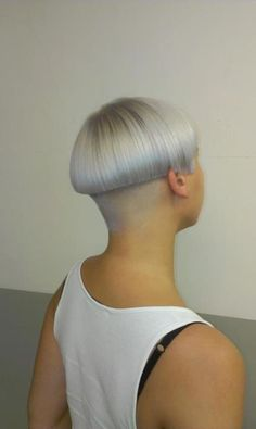 Haircut Fetish blog | for people who are bald fetish, haircut fetish fans. Or whos want to see extreme hairstyles, bald beauty girls, shorn napes and short cuts for women.