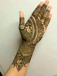 Henna Mehndi and Tattoos for parties and brides. Traditional Mehndi Designs, Indian Henna Designs, Mehndi Designs Book, Mehndi Designs 2018, Modern Mehndi Designs, Mehndi Design Pictures, Mehndi Designs For Girls, Mehndi Designs For Beginners, Wedding Mehndi Designs