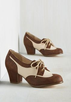 Oxford Comment Heel in Cocoa