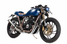 Welcome to Cafe Racer Design! We focus solely on showcasing the design of Cafe Racer Motorcycles. Cafe Racer is a term used for a type of motorcycle and the cyclists who ride them! Yamaha Cafe Racer, Yamaha 650, Cafe Bike, Cafe Racers, Cafe Moto, Yamaha Virago, Cafe Racer Parts, Blue Cafe, Custom Cafe Racer