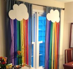 Colgante vertical papel crepé arco iris y nubes Set de dos