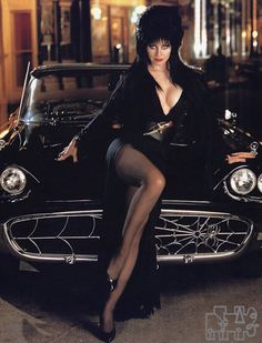 Cassandra Peterson,Elvira Mistress of the Dark. Loved watching he large not B horror movie show Cassandra Peterson, Dark Beauty, Gothic Beauty, Classic Beauty, Car Girls, Pin Up Girls, Steam Punk, Pantyhosed Legs, Goth Girls